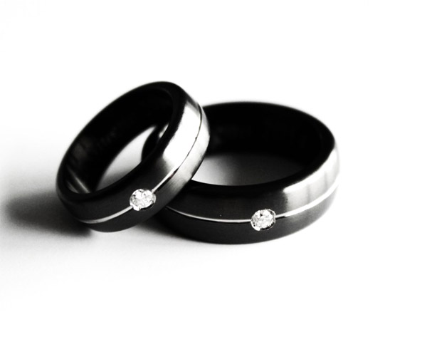 JeS-tianium Design - Black titanium wedding rings