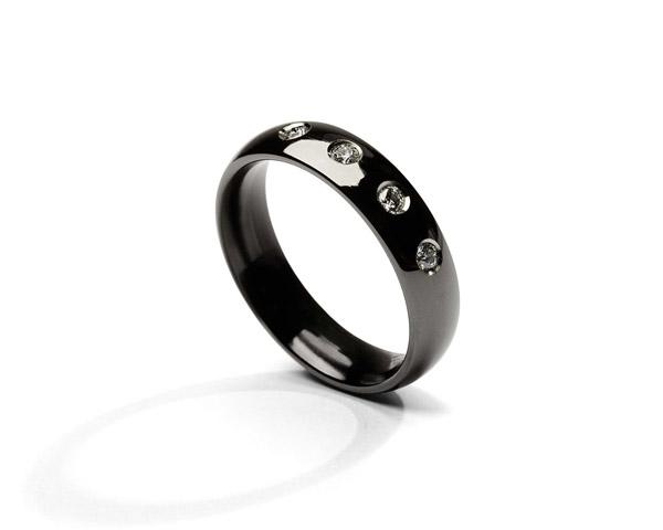 JeS-tianium Design - Fede in titanio nero e diamanti